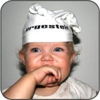 Babymütze weiß/schwarz